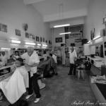 Gumercindo, Baixinho (Santiago) e Wanderley. Há mais de 50 anos cortando o cabelo da turma do Prado